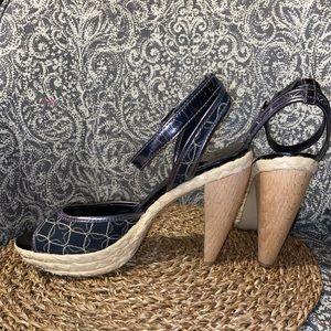 Nine West// wood heeled espadrille heels